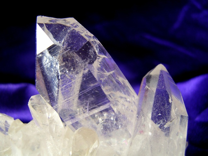 quartz-crystal-web